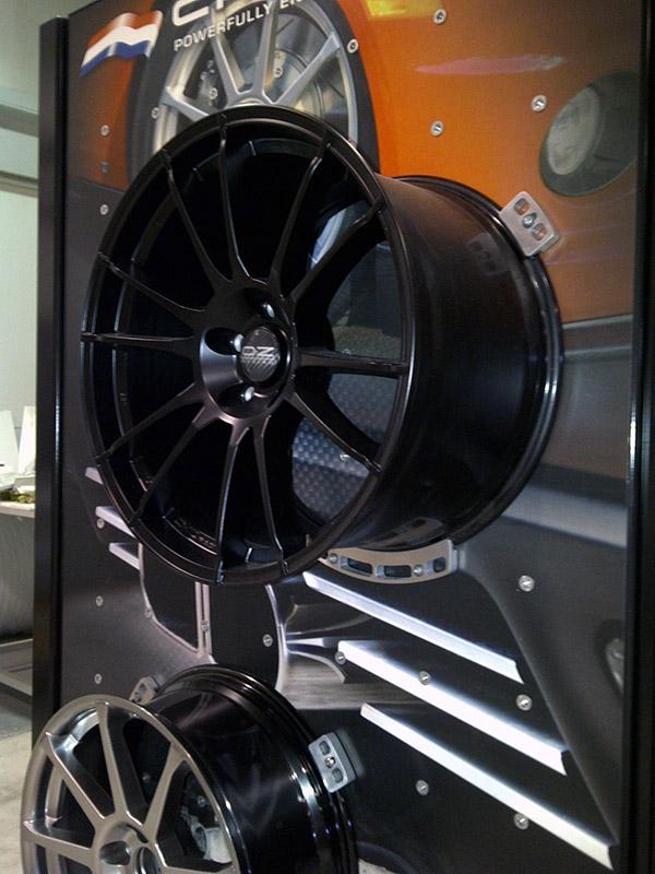 jokerfx-visual-communication-and-display-ontario-3-dimensional-design-manufacturing-Wheel-car-part-display